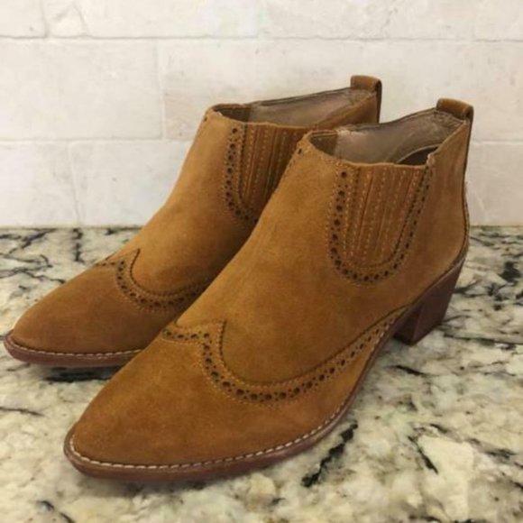 198 Grayson Brogue Chelsea Boots J8292